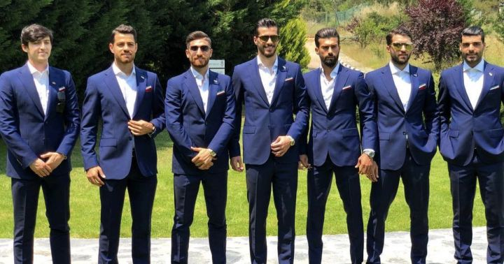 Iran-players-in-smart-suits.jpg