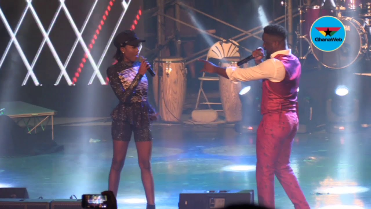 Sarkodie and Efya premiere new song at Rapperholic Concert, 2018